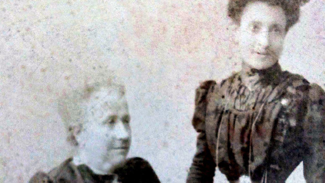 bisnieta.ANTEPASADOS. La abuela y la madre de Marcela Gracia Ibeas retratadas en A Coruña por José Sellier, el mismo fotógrafo que inmortalizó a Marcela y a Elisa (esta, caracterizada de hombre) el día de su boda en 1901. Fotografía cedida por Norma G. Moure