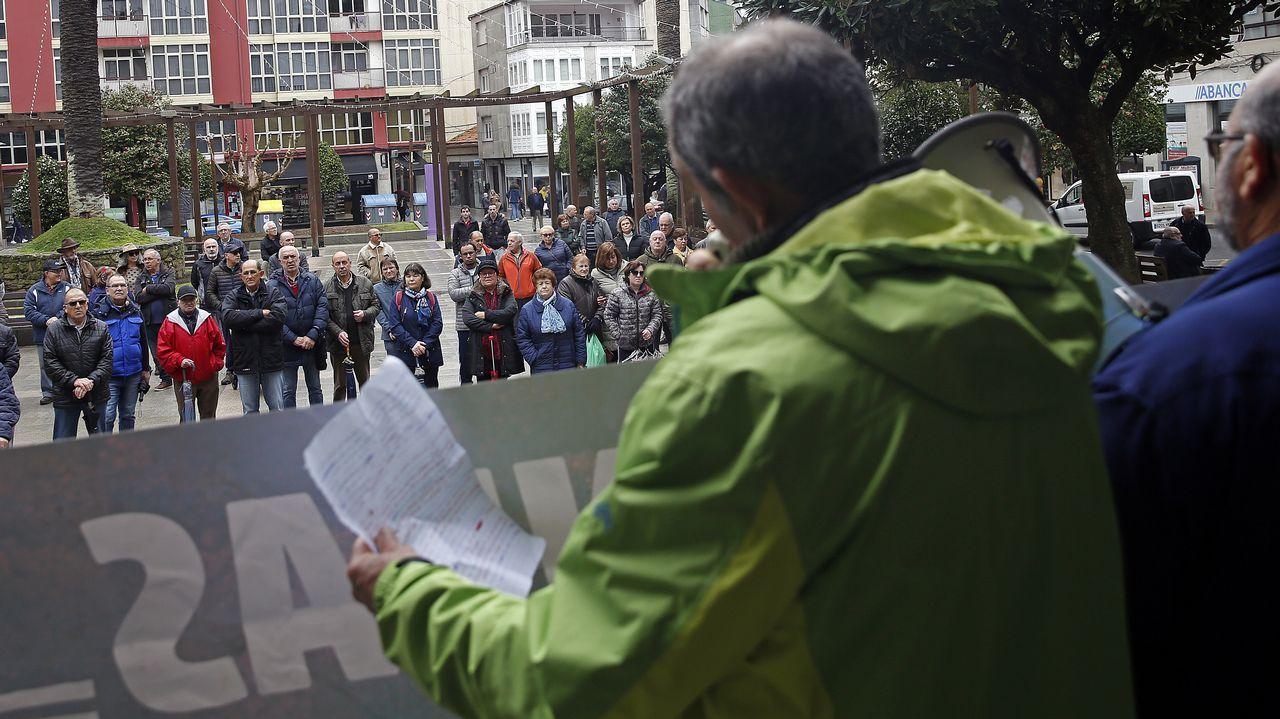 Homenaje a Ramiro Carregal en Vilagarcía.Suso Villar, presidente de Afaber, explicaba recientemente la necesidad de encontrar un local mas grande para que la entidad pueda prestar servicio
