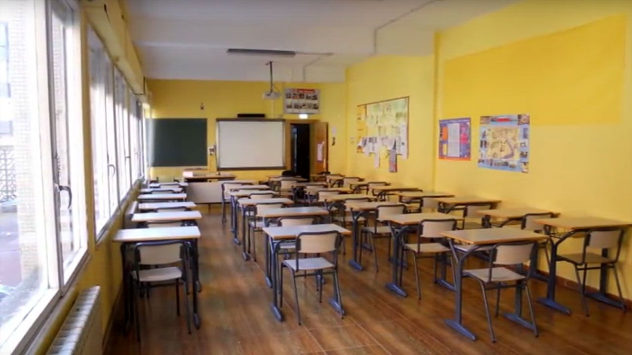 Dos detenidos en Lugo por una agresión sexual valiéndose de burundanga.Una de las aulas de Secundaria del Colegio San Miguel de Gijón