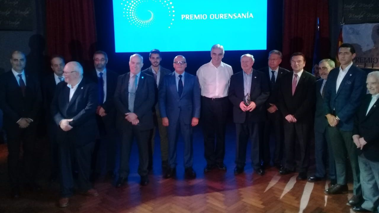 Los emigrantes recogen el premio Ourensanía.El Hospital Espanhol de Río de Janeiro presta asistencia sanitaria de manera gratuita a las y los residentes sin recursos