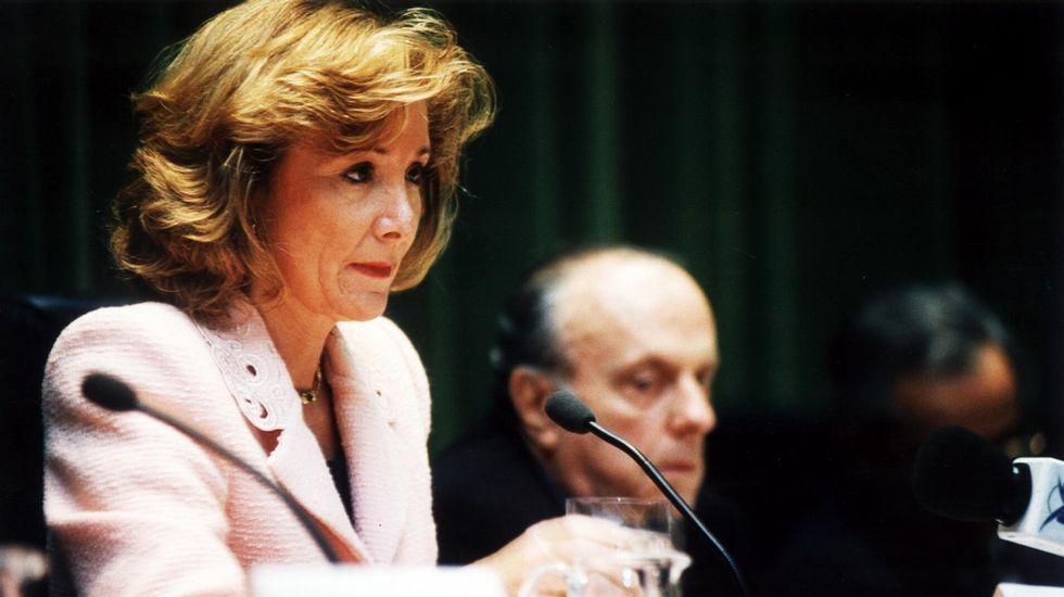 Esperanza Aguirre, como ministra de Cultura en el 2006, junto a Manuel Fraga.
