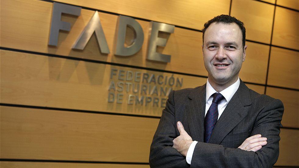 Concentración de los trabajadores del hotel de La Reconquista.Alberto González, director general de FADE
