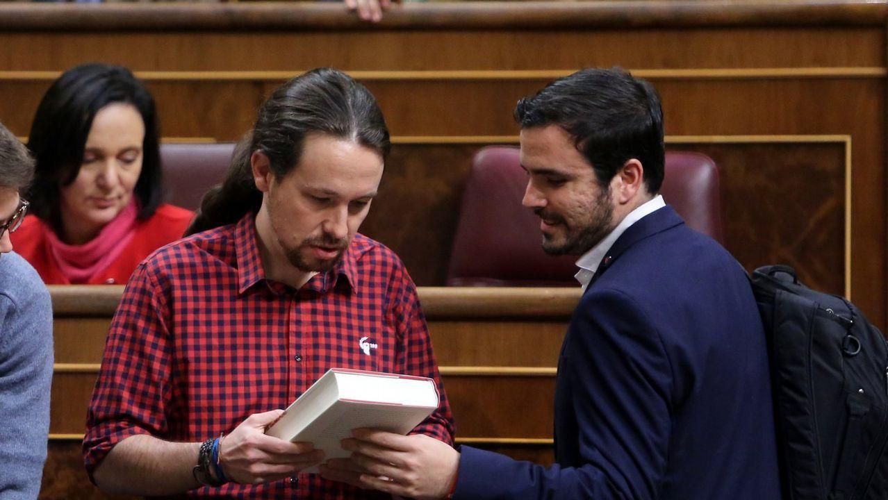 Alberto Garzón: «Hay tiempo suficiente para hacer las cosas mucho mejor».Alberto Garzón, Sofía Castañón y Daniel Ripa en un mitin conjunto en Gijón