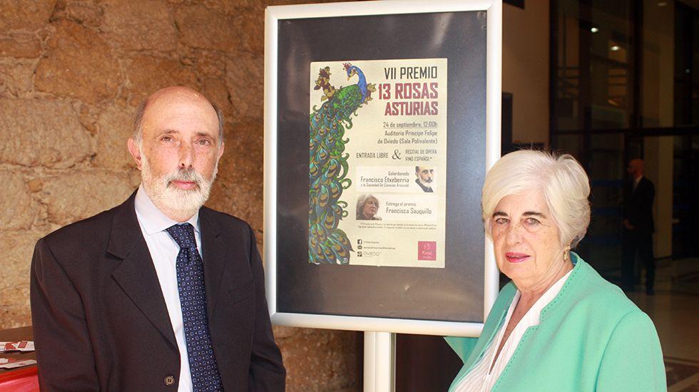 Técnicos polacos intercambian experiencias con Asturias en la gestión del urogallo.Francisco Etxeberría y Francisca Sauquillo, en el Auditorio Príncipe Felipe.