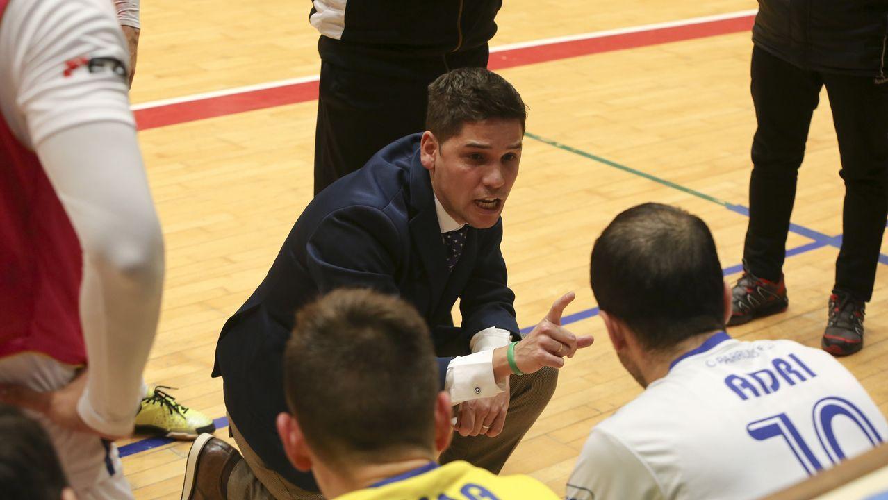 García dirige una sesión con la selección japonesa con la que se ha proclamado subcampeón de Asia
