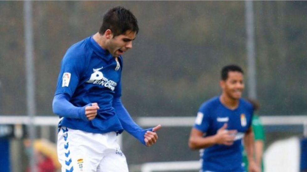 .David González «Roni», celebra un gol en su etapa como jugador azul