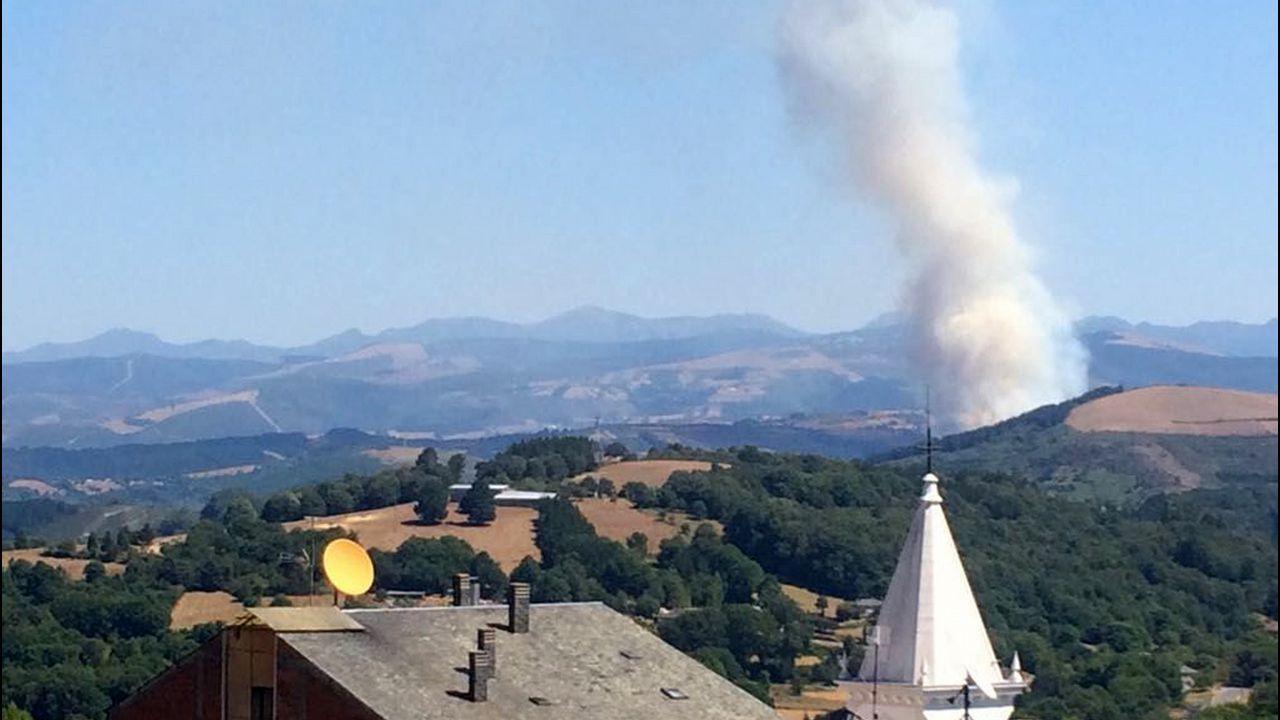 Una de las zonas que ardió en Monterrei.
