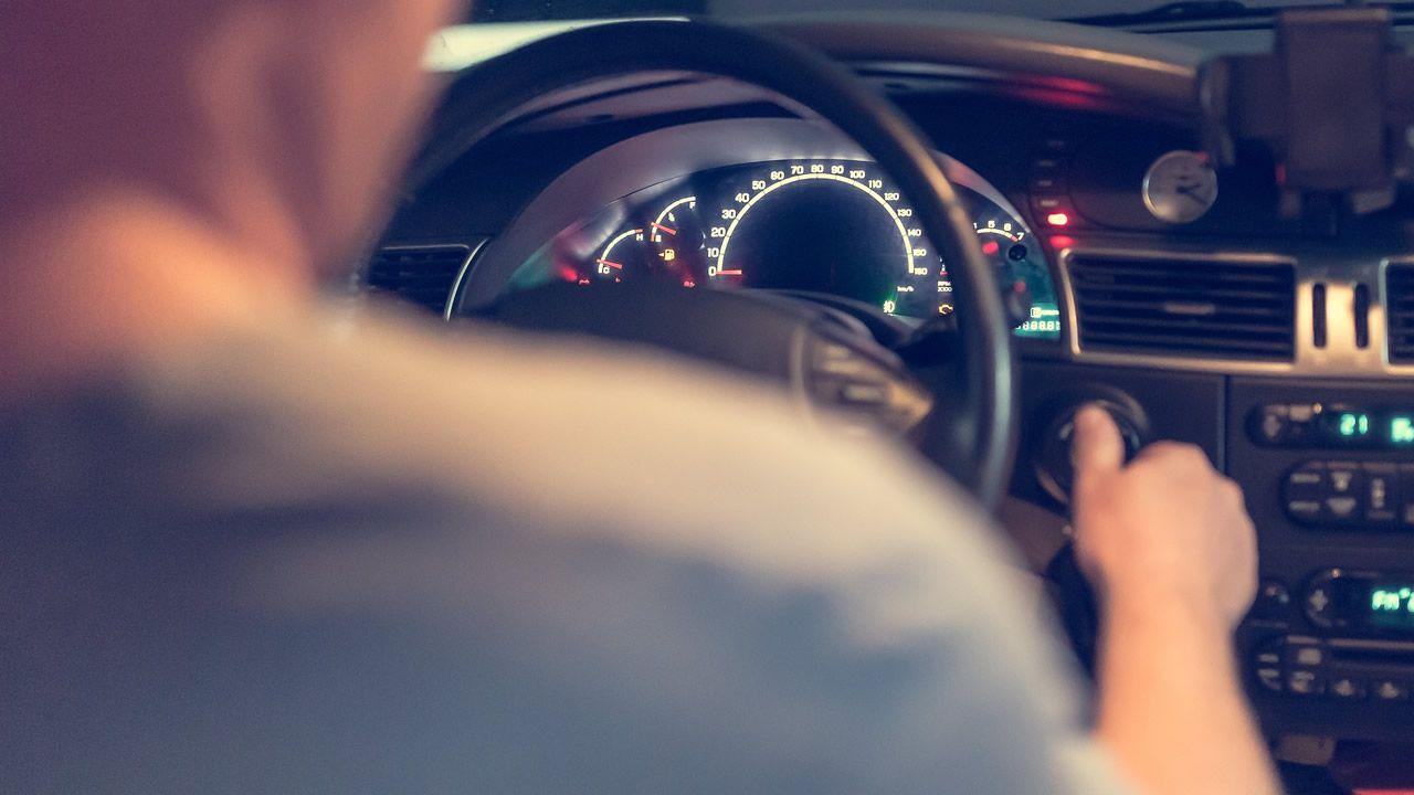 Hasta 2,8 millones de conductores reconocen ser agresivos al volante.El coche que empezó a arder quedó destrozado dentro del túnel