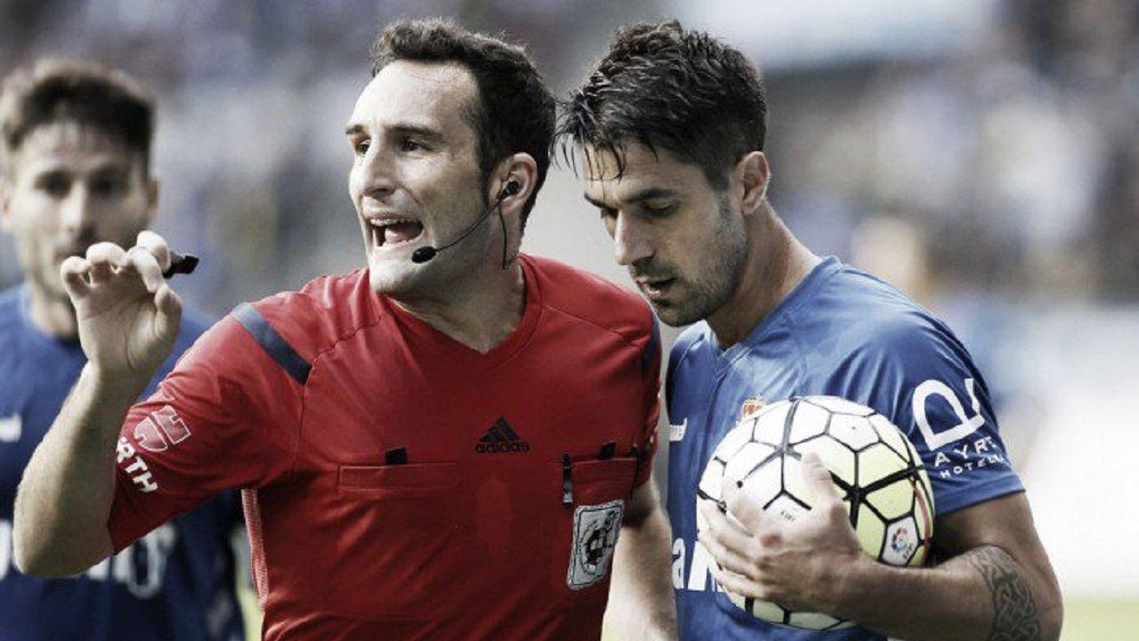 Arcediano Monescillo Dani Bautista Real Oviedo Leganes Carlos Tartiere.Arcediano Monescillo, con Dani Bautista en un Real Oviedo - Leganes de la 2015/16