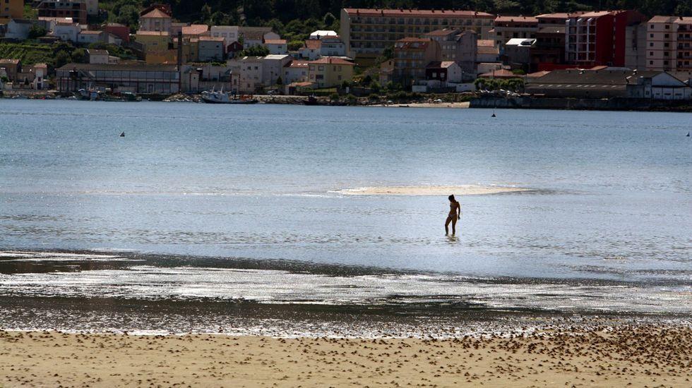 Playa de Retorta, en Boiro.Barraña, O Saltiño, en Boiro