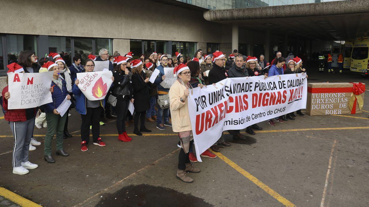 Guantes de jardinero y traje de Antonio Alcántara para trabajar con presos peligrosos.Manifestación TUA en Oviedo