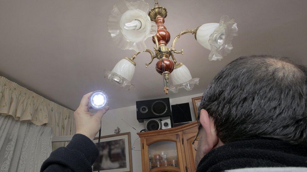 La iluminación de la vivienda consume hasta un tercio de la potencia instalada.