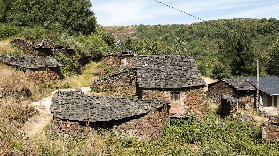 La aldea estuvo habitada por unas treinta personas hace varias décadas