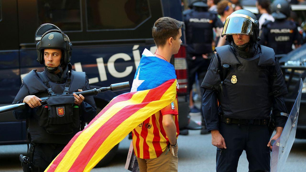 La tensión estalla en Barcelona.Roberto L. Blanco, Xavier Arbós, Eduardo Vírgala y Joaquín Varela