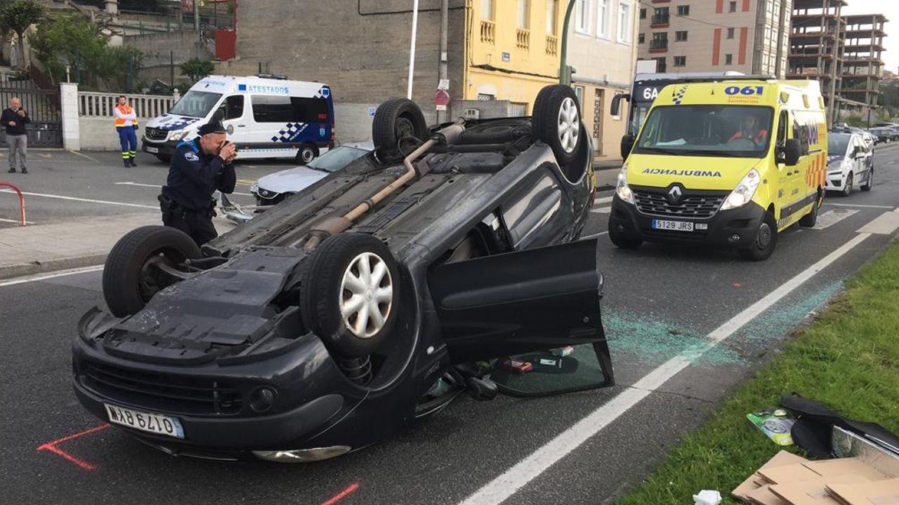 Accidente en la avenida de Finisterre.Accidente de coche