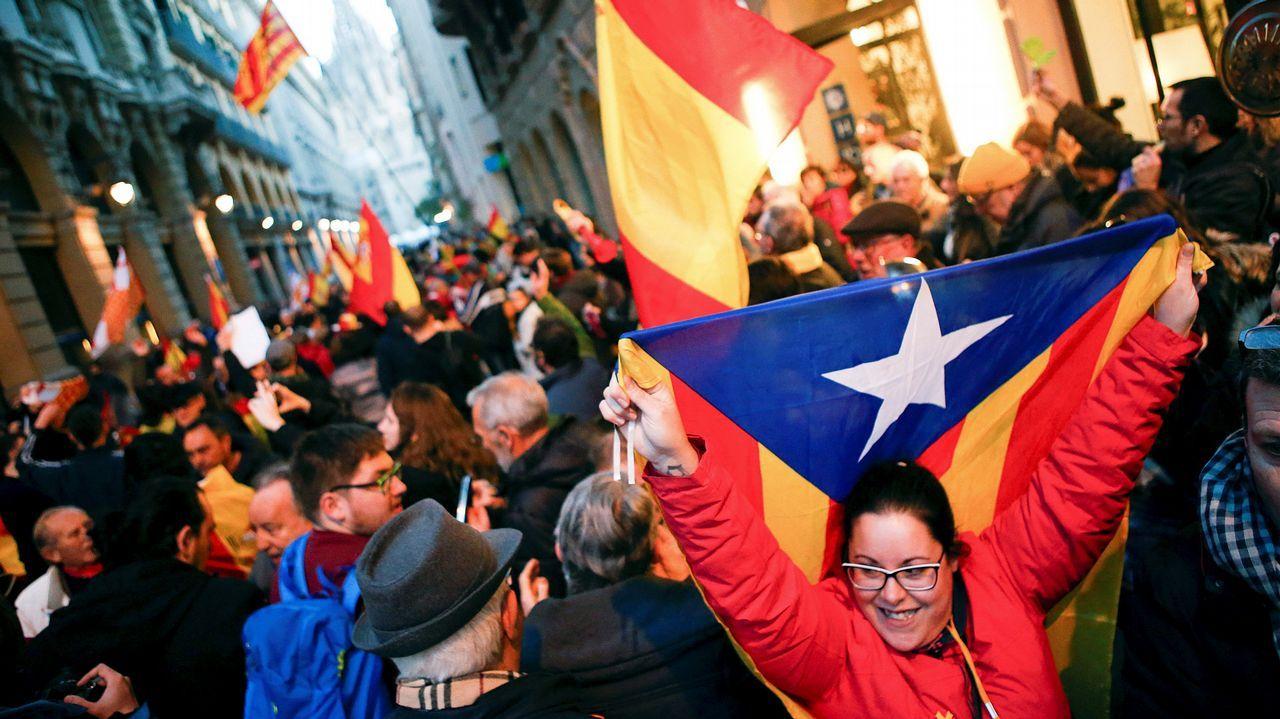 .Los Mossos d'Esquadra cortaron este domingo los dos sentidos de la Via Laietana de Barcelona ante las protestas convocadas por los Comités de Defensa de la República (CDR)
