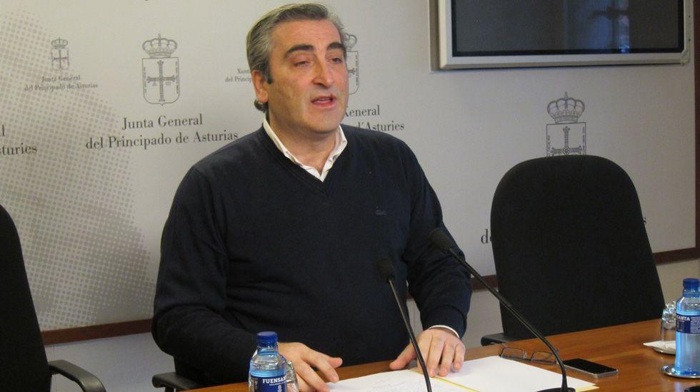 Pacientes en el HUCA.El diputado y portavoz de Sanidad del PP en la Junta General, Carlos Suárez