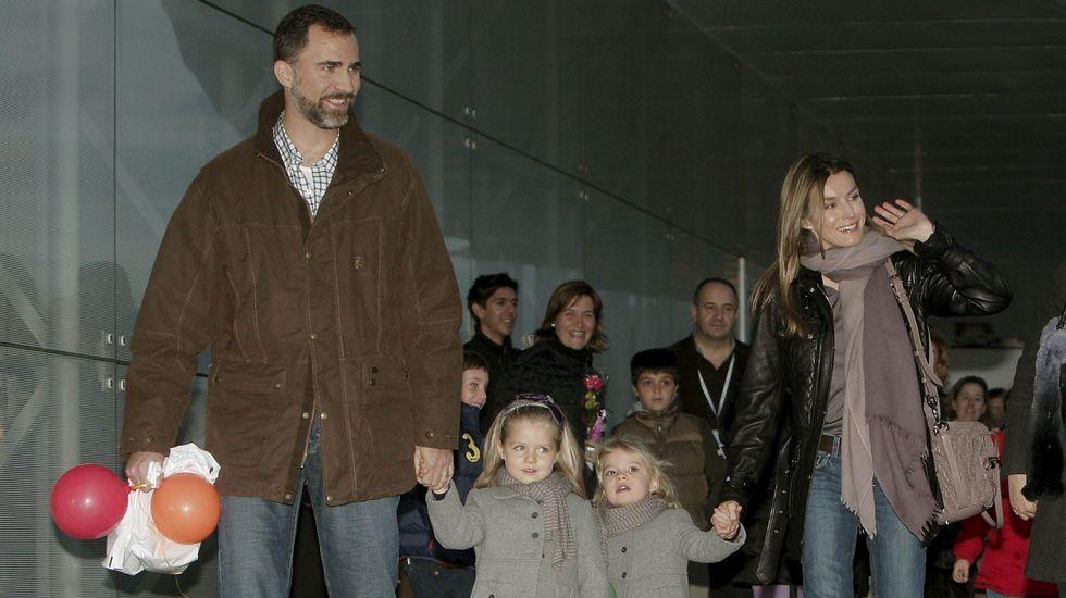 .En noviembre de 2009 cuando asistió junto a sus padres a un espectáculo de Mickey.