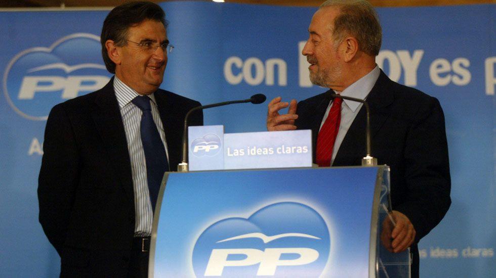 Ovidio Sánchez y Gabino de Lorenzo, durante un acto del partido..Ovidio Sánchez y Gabino de Lorenzo, durante un acto del partido.