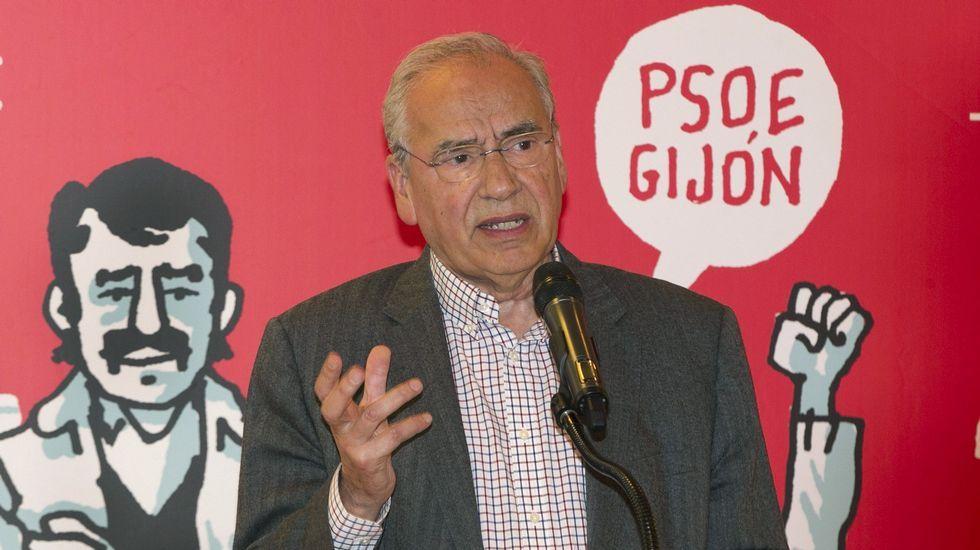 «Hay que pensar si el PSOE es capaz de atraer a los mejores».Alfonso Guerra, en Gijón