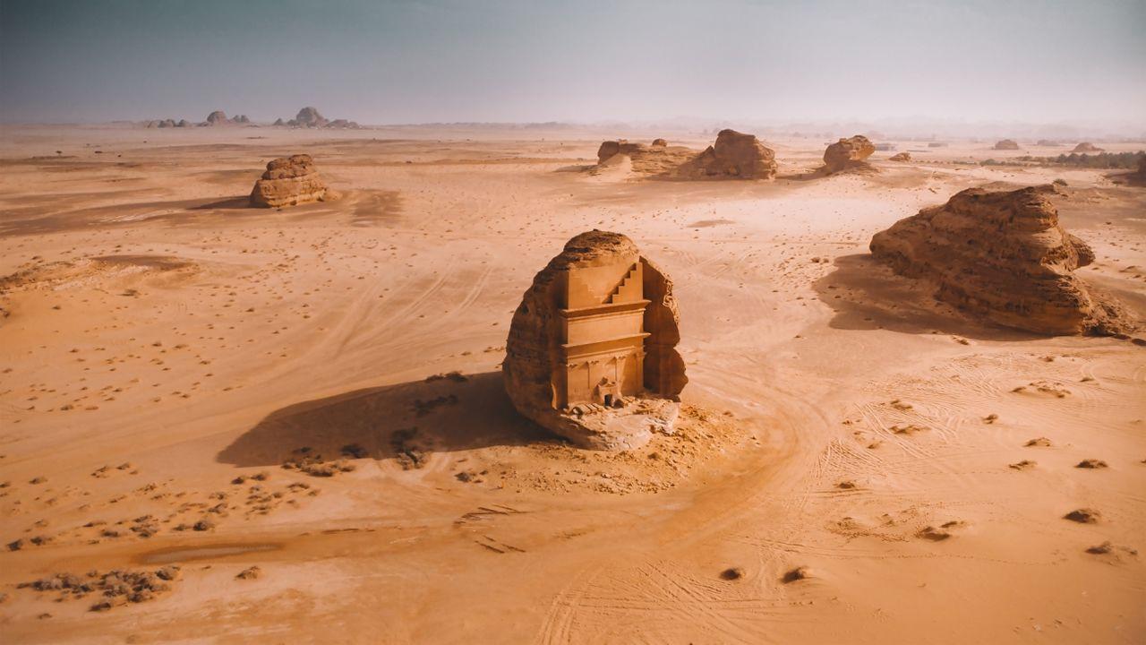 «Mada in Saleh». Esta imagen de la antigua ciudad localizada en el norte de Hejaz, en la actualidad Arabia Saudí, a 22 kilómetros de la ciudad de Al-Ula, ganadora en la categoría de naturaleza