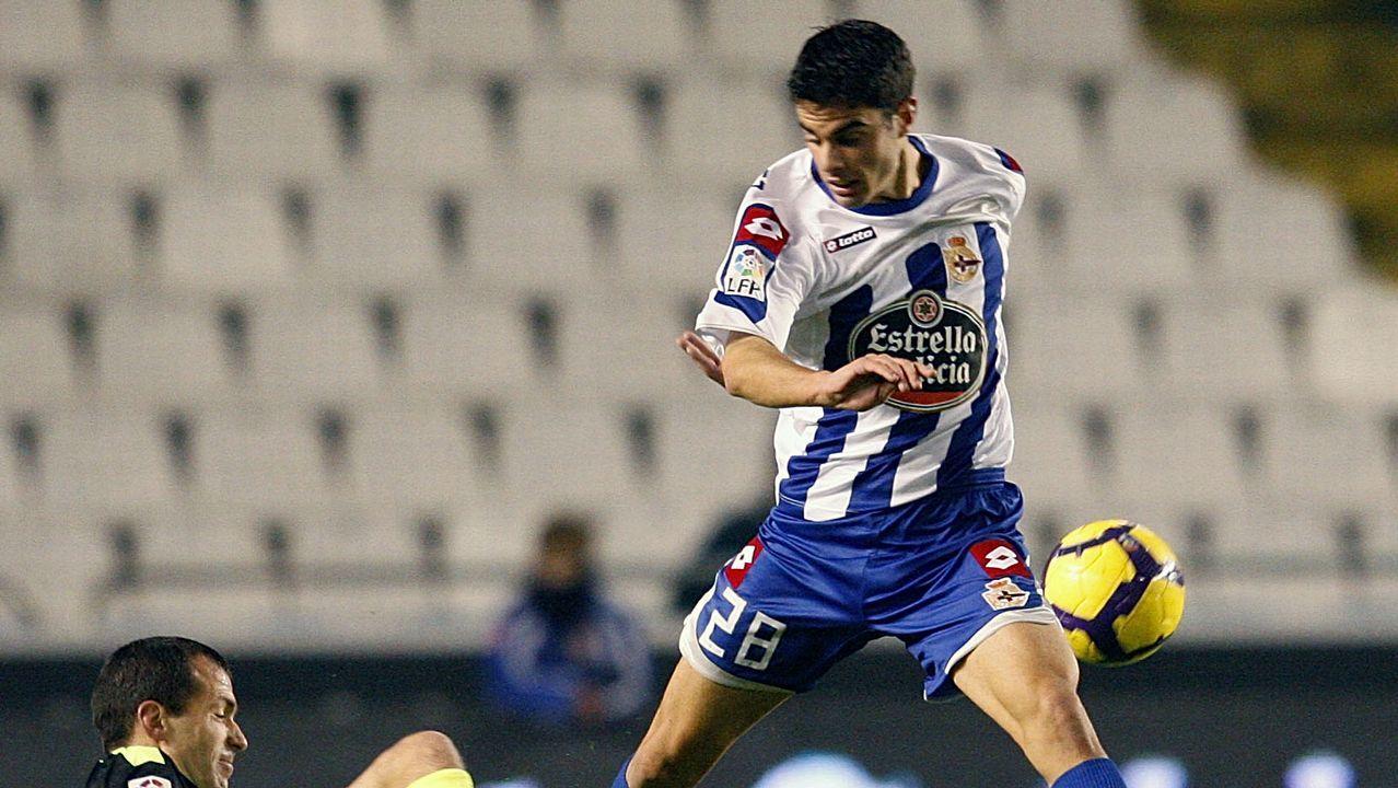 Juan Domínguez en un choque contra Osasuna