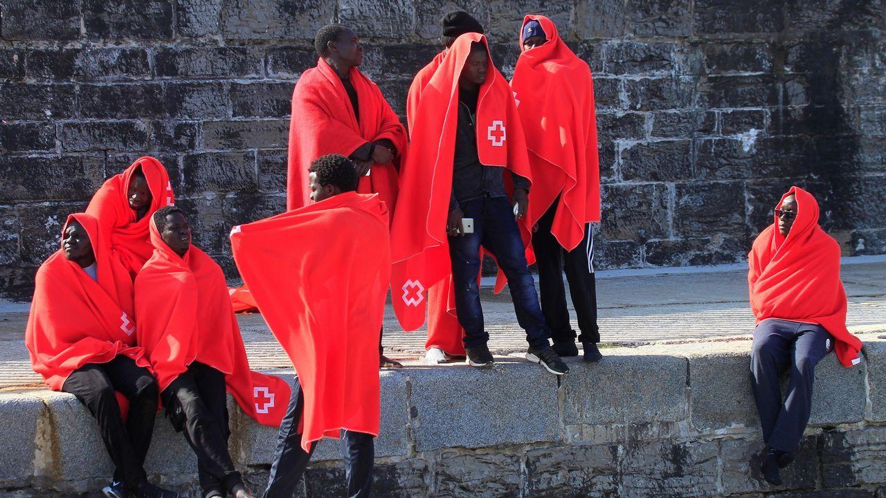 .El viernes también fueron rescatadas 41 personas en aguas del Estrecho
