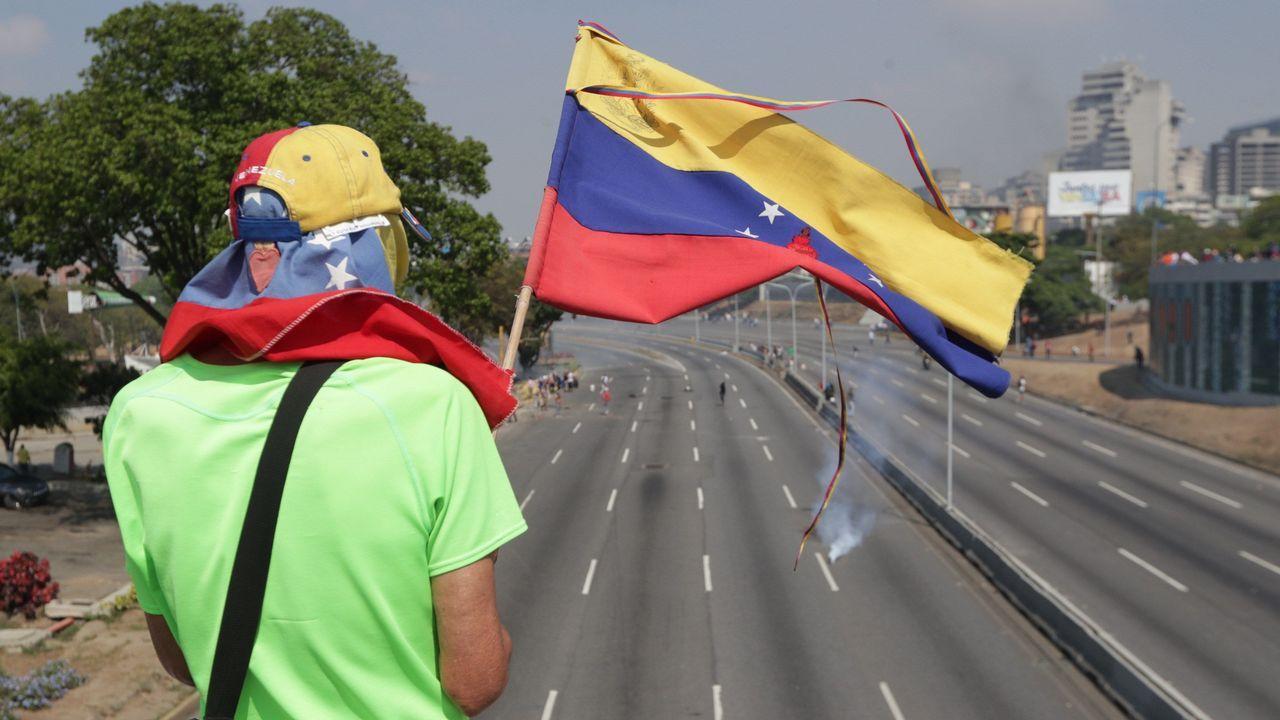 Los venezolanos secundan los llamamientos de Maduro y Guaidó.Nicolás Maduro, durante su comparecencia en la televisión pública tras permanecer quince horas desaparecido