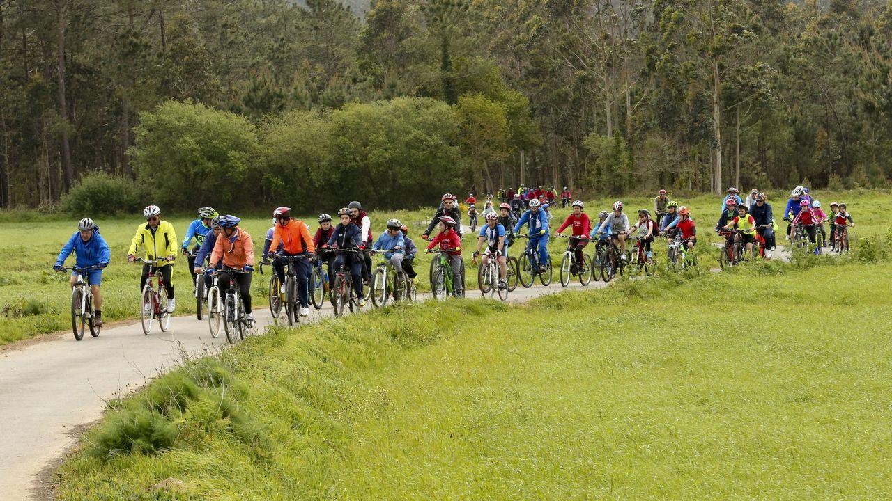 Jornada de aprendizaje y deporte en el Día da Bici de Cabana