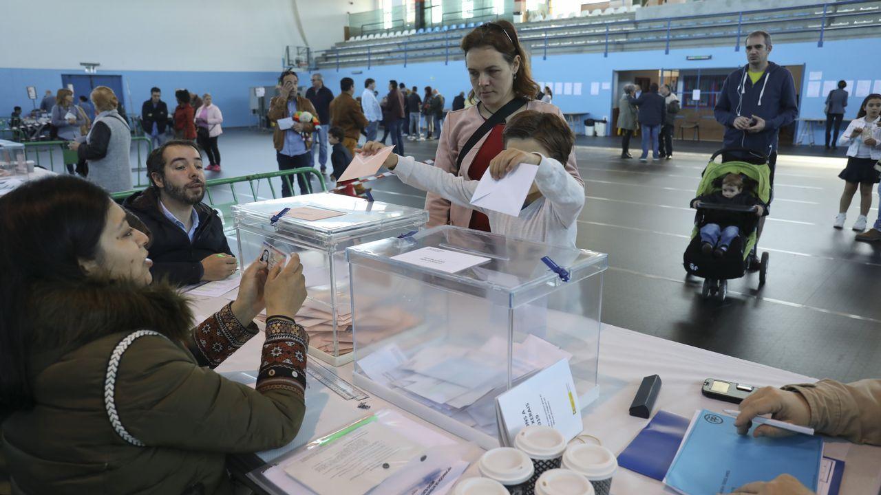 Los diputados gallegos que entrarán en el Congreso.Sede de Ferraz, este domingo