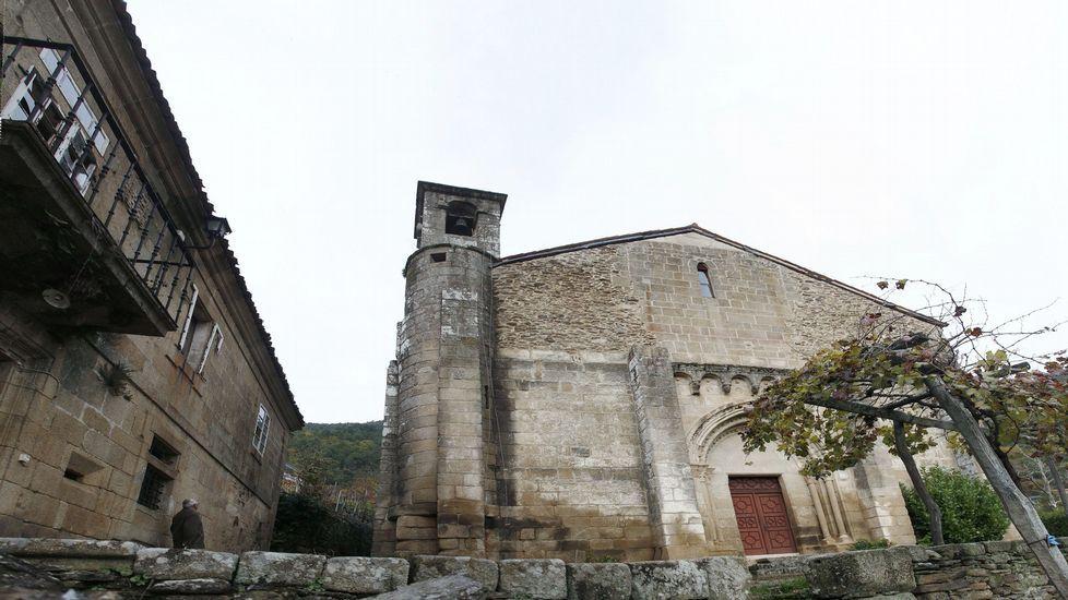 Pintadas a favor de la República en la iglesia de Maside.El recorrido pasará por la iglesia románica de San Vicente de Pombeiro