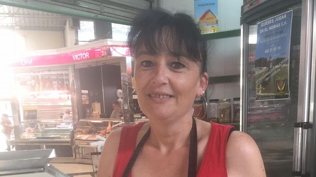 La mujer de Ramón Barral no pierde la esperanza.Como otros placeros, José Antonio López reivindica más plazas de aparcamiento para el mercado