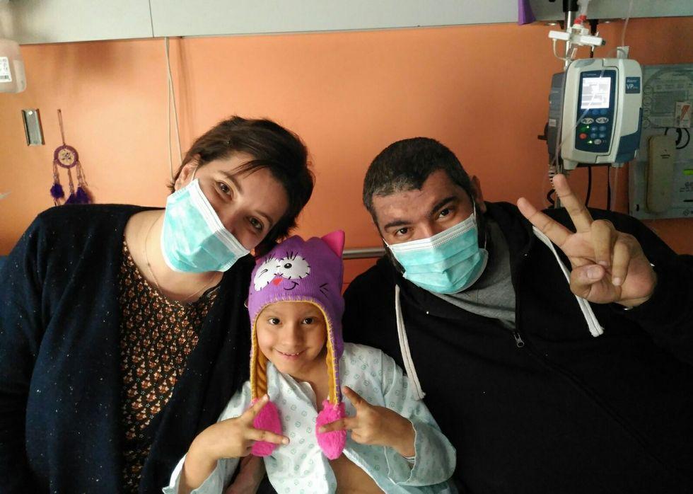 Victoria, de 7 años, está ingresada en el Materno.