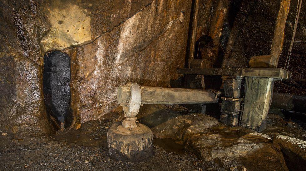 Otro aspecto de la ferrería de Penacova, con su gran mazo accionado por la fuerza hidráulica