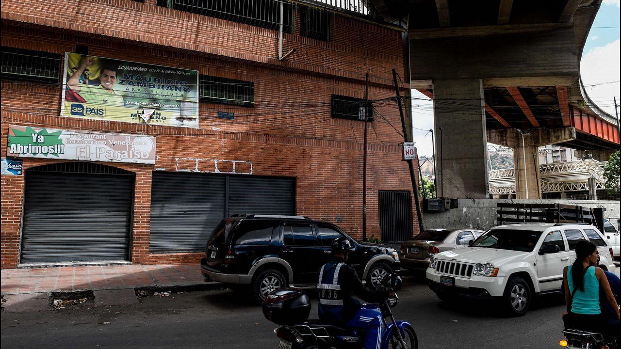 Nicolás Maduro, objetivo de un ataque con drones explosivos en Caracas.Los caraqueños aprovechan para tomar el metro tras restablecerse el servicio después de los reiterados apagones