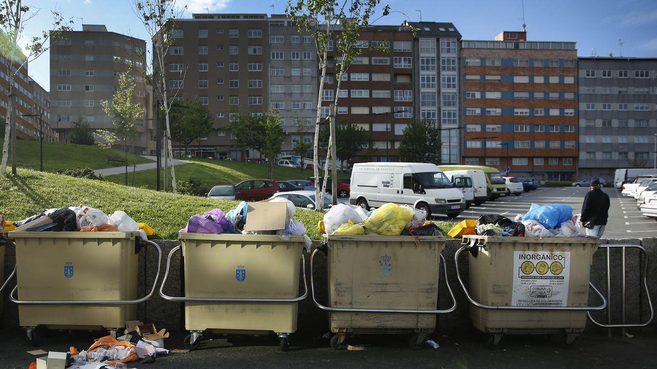 Bilbao, la vieja ciudad industrial del norte que se salvó gracias a la cultura.Basura acumulada en la ciudad durante el conflicto de la basura.
