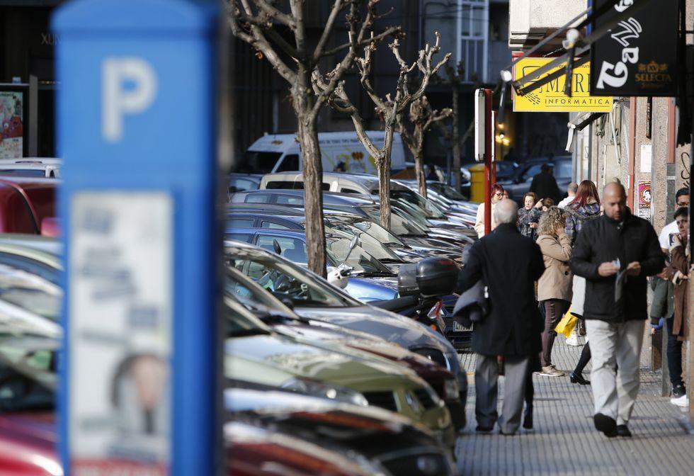 .La zona sujeta a la Ordenanza Reguladora de Aparcamiento (ORA) busca la rotación de coches.