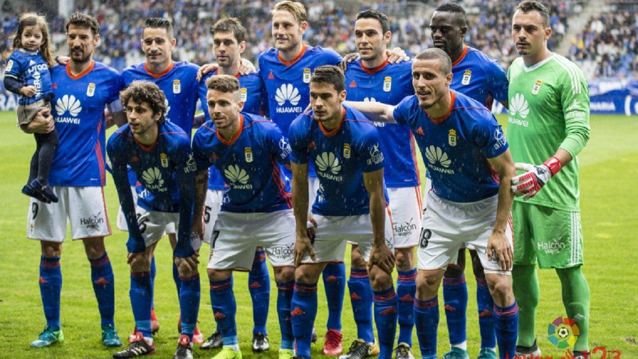 Once inicial del Real Oviedo ante el Nàstic