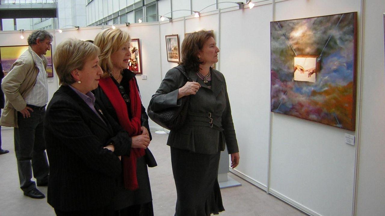 María Victoria Morera, a la derecha