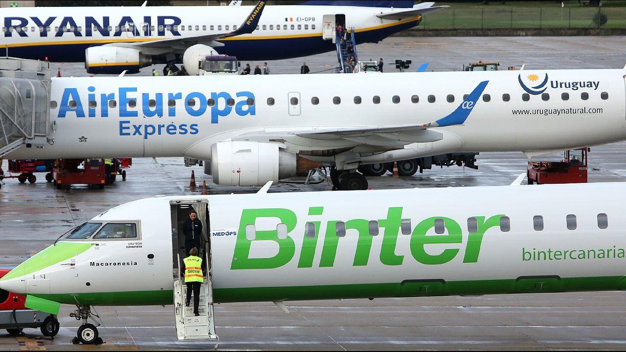El aeropuerto de Peinador fue el único que bajó ligeramente en número de pasajeros