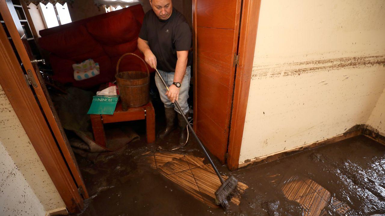 Destrozos causados por la tromba de agua en Viveiro