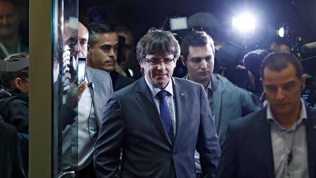 El PDeCAT le pide a Puigdemont que declare la independencia si Rajoy aplica el 155.