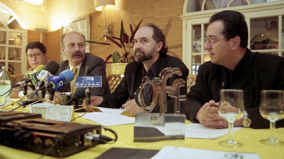 La Costa del Algodón.Manuel Cabezas y Eloy Lozano, en el centro, presentando el festival en 1996