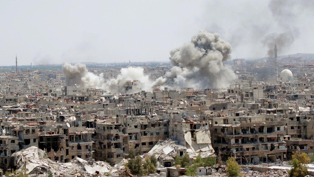 Bobardeo de fuerzas sirias en una zona controlada por el Estado Islámico