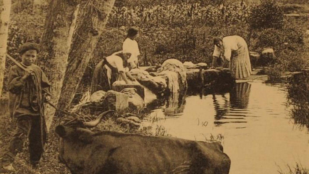 Foto antigua río Monelos.Imagen de archivo de un pleno en el ayuntamiento de Ourense