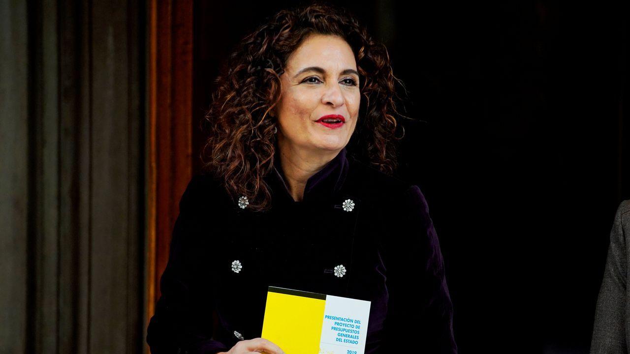 Un parlamento de luto.La ministra de Hacienda, María Jesús Montero, en el Congreso