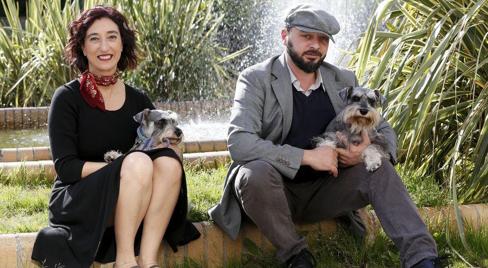Desplante en Ourense.La ourensana Carmen Penim junto al italiano Maurizio Polsinelli forman el grupo musical 2naFronteira