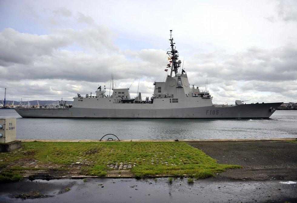 La gestión de los residuos de los buques durante su escala en el puerto de Ferrol.La «Cristóbal Colón» partirá en junio a Estados Unidos para realizar su prueba de misiles.