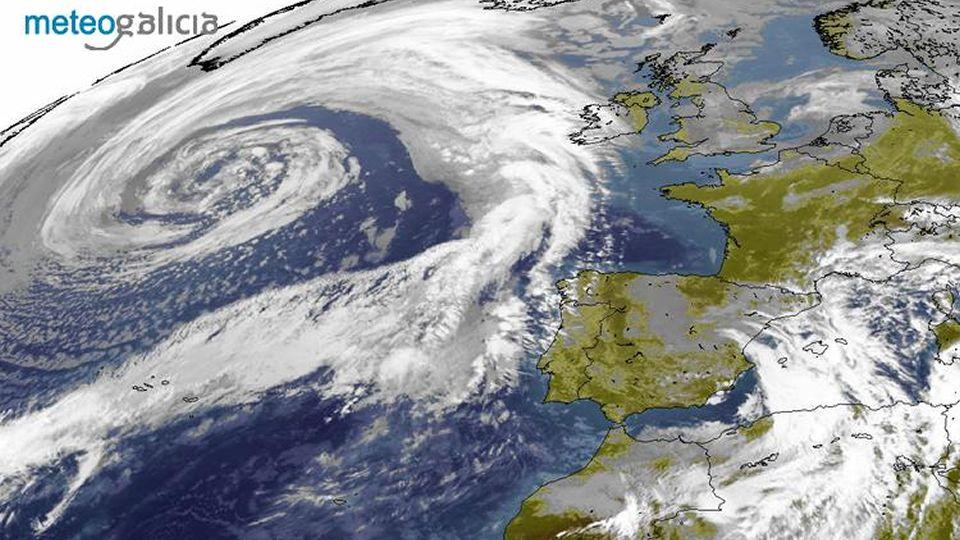 Imagen de satélite de la ciclogénesis.