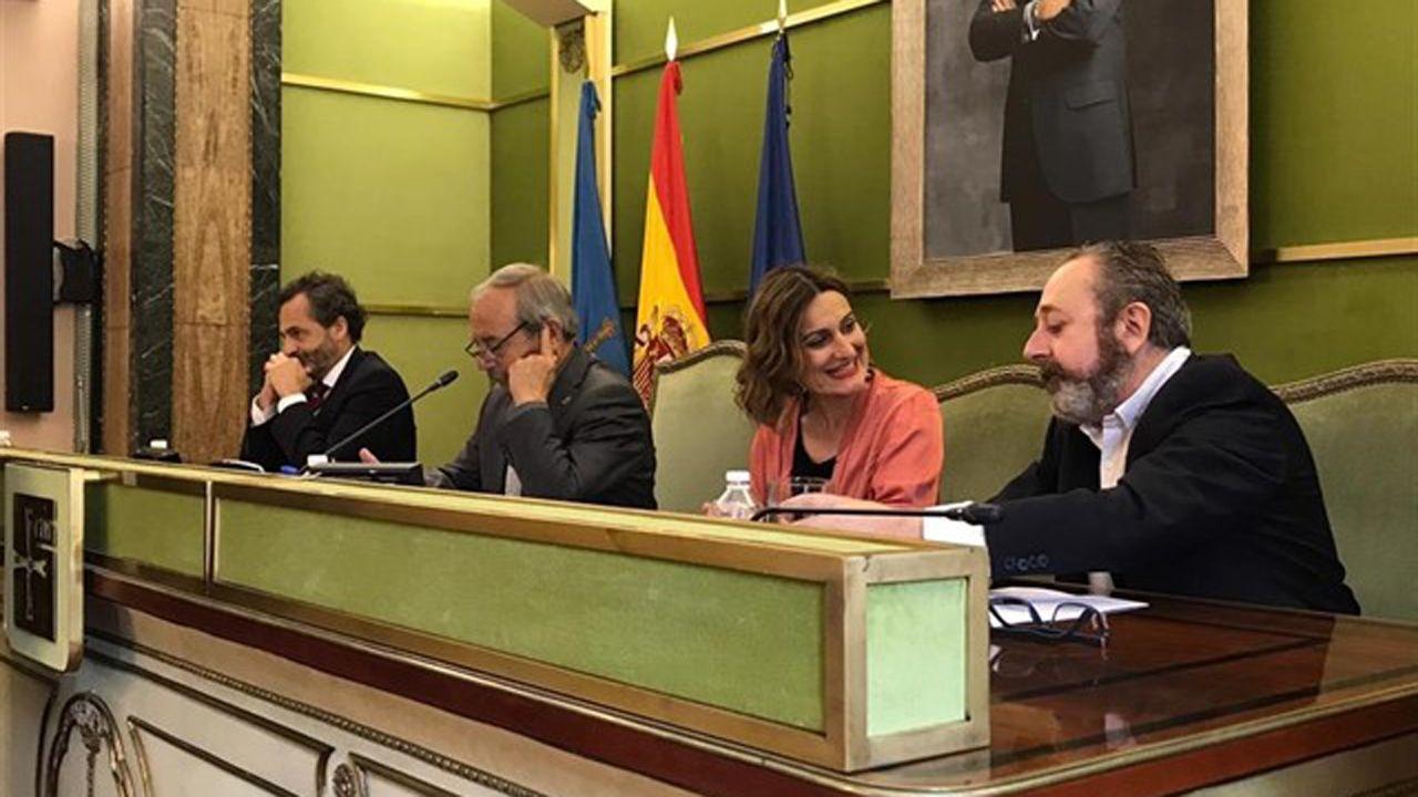 Todo listo para el Martes de Campo.Entrega de la distinción de Hijo Predilecto de Oviedo a título póstumo al periodista Juan Cueto Alas